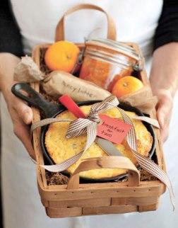 gift-baskets-cornbread-honey-butter-0910-de