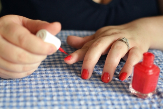 Under the Oaks blog: Crystal's Quick 'n Easy (Peasy) Nail Routine