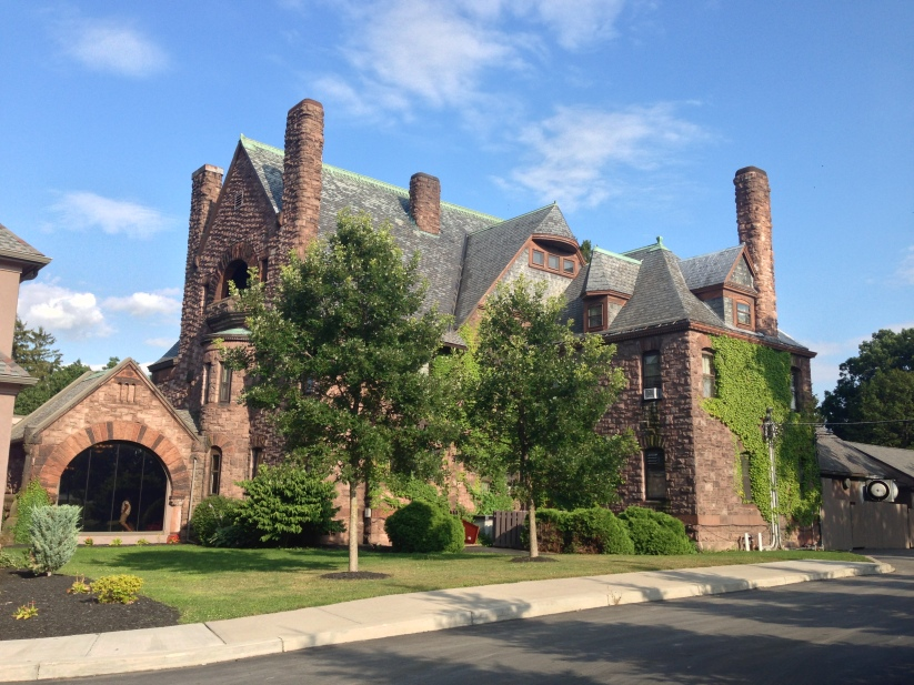 Under the Oaks blog: Upstate New York : Corning + Seneca Lake Wineries #fingerlakeswinecountry #belhurstcastle