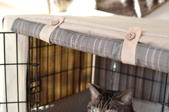 Under the Oaks blog: DIY Dog Crate Cover